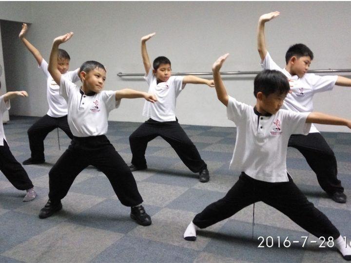 你知道学习武术对小孩有哪些好处吗?